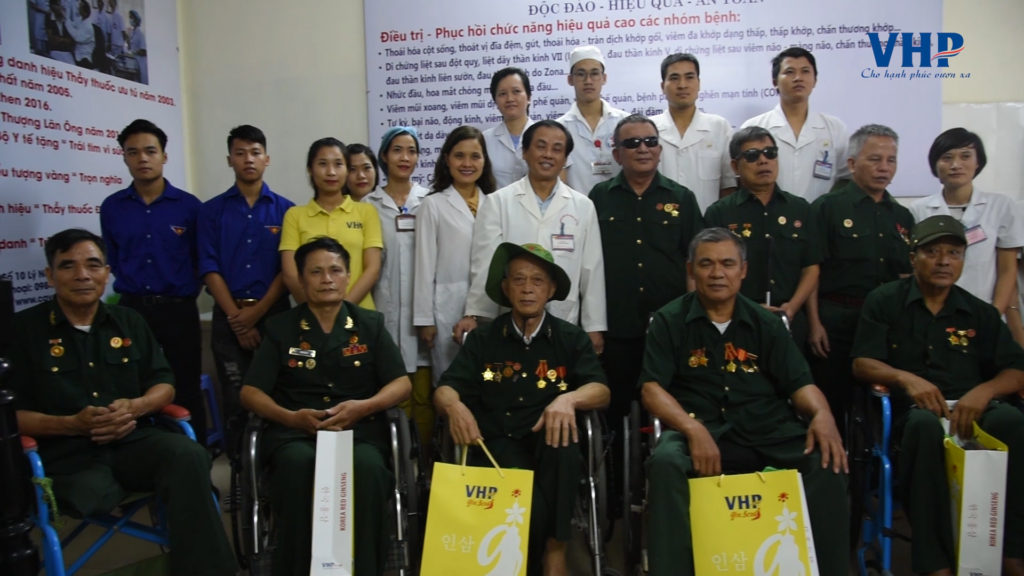 VHP-group-tang-qua-tri-an-thuong-binh-nang-tinh-ha-nam6